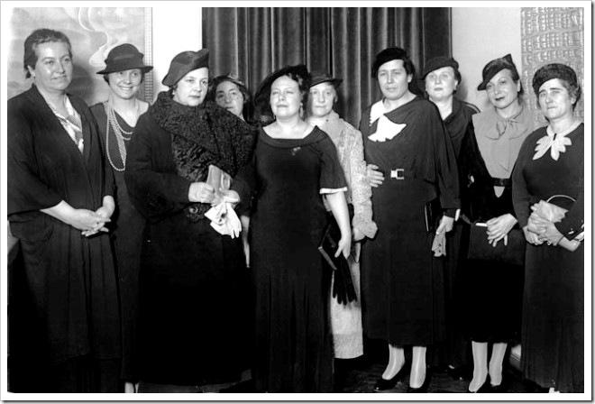 Conferencia de Palma Guillén, 1935Conferencia de la escritora Palma Guillén (5º izda), embajadora de México en Panamá, en el Lyceum Club Femenino. Asisten, entre otras: La política y abogada Victoria Kent (4ª dcha), la actriz Margarita Xirgu (2ª dcha), la pedagoga María de Maeztu (5ª dcha), y la también política y abogada Clara Campoamor (1ª dcha). EFE/DÍAZ CASARIEGO/jgb