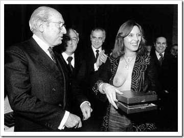 Enrique Tierno Galvan y Susana Estrada