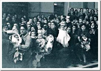 Mujeres con niños en la Cárcel  de Ventas