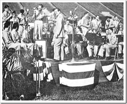 Glenn Miller con la Banda de las Fuerzas Aéreas del Ejército