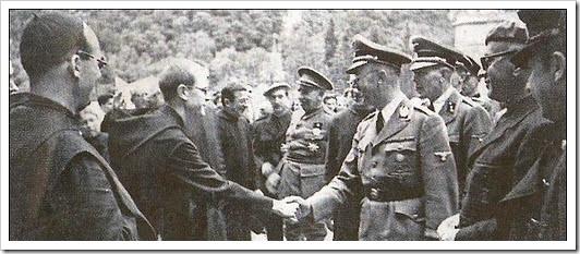 Himmler en Montserrat saludando al monje Andreu Ripoll