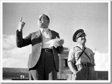 Melchor Rodríguez recitando un poema, 1938