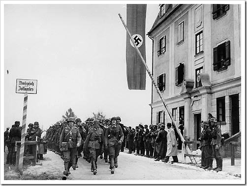 Tropas alemanas cruzan frontera con Austria
